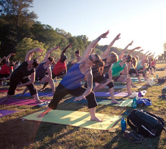 Power yoga là gì? Lợi ích mang lại cho người học