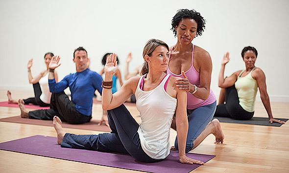 6 lời khuyên cho giáo viên chỉnh sửa tư thế yoga