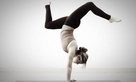 Patanjali có bao giờ nhắc về yoga selfie đâu