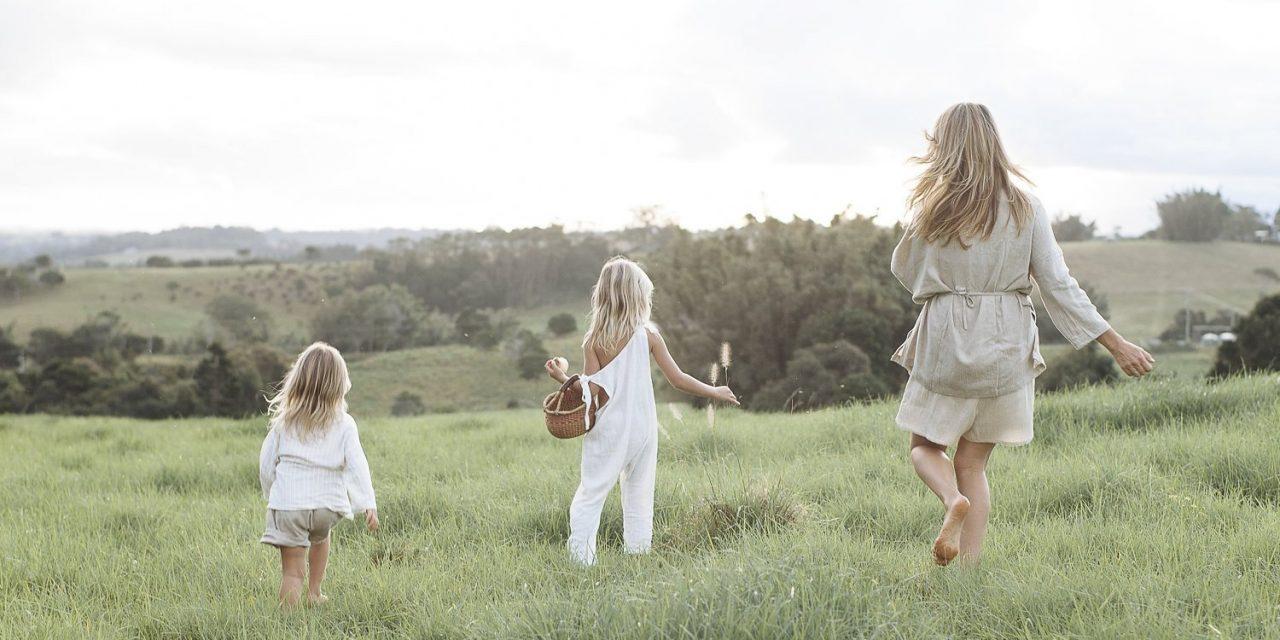 Bí quyết vui sống cho phụ nữ qua các giai đoạn cuộc đời