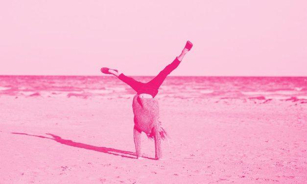 Ngưng bắt chước để trả Yoga về tự do